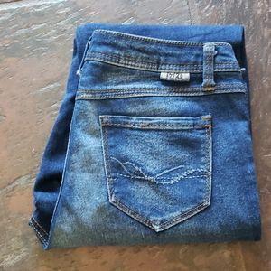 Size 8 stretchy jeans 17/21 brand